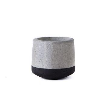 Small Concrete Pot - Black