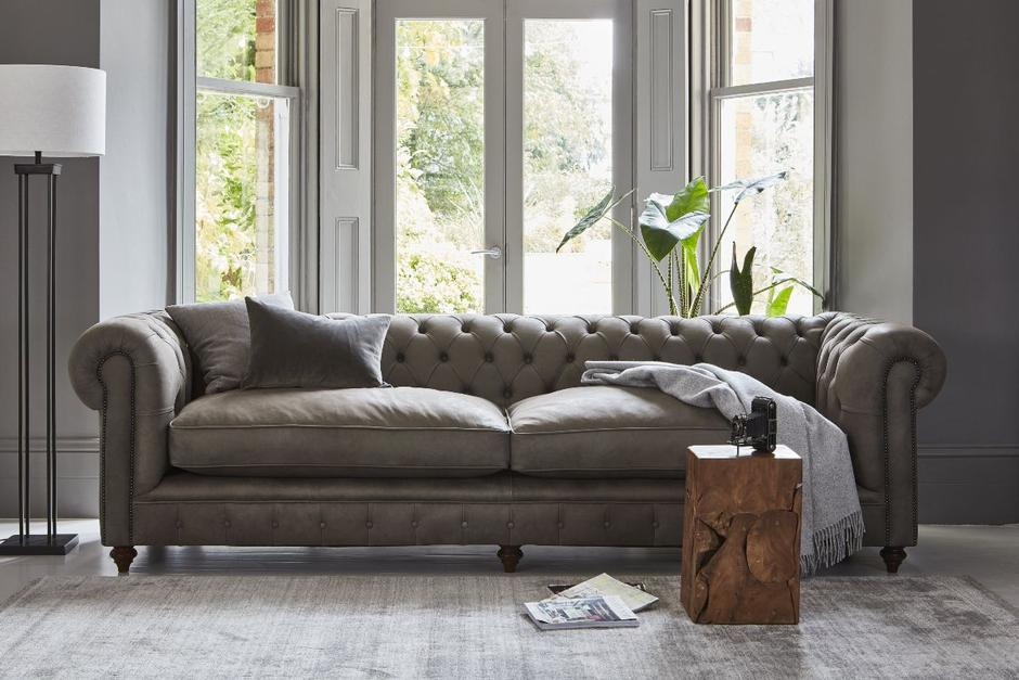Curved furniture: A timeless home comfort