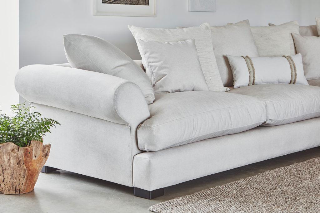 2021 home decor trends curved sofas lincoln sofa